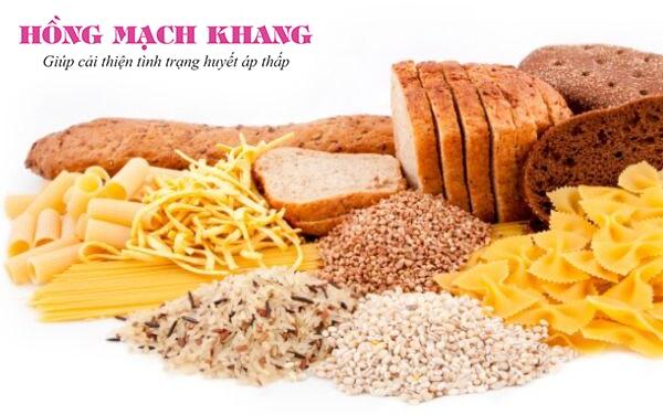 Giảm thực phẩm giàu carbohydrat để hạn chế tụt huyết áp